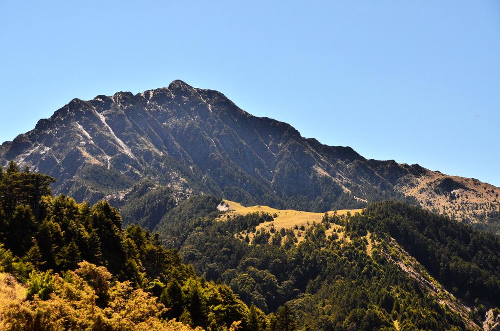 [南湖群峰]背包上肩,邁向南湖山屋。