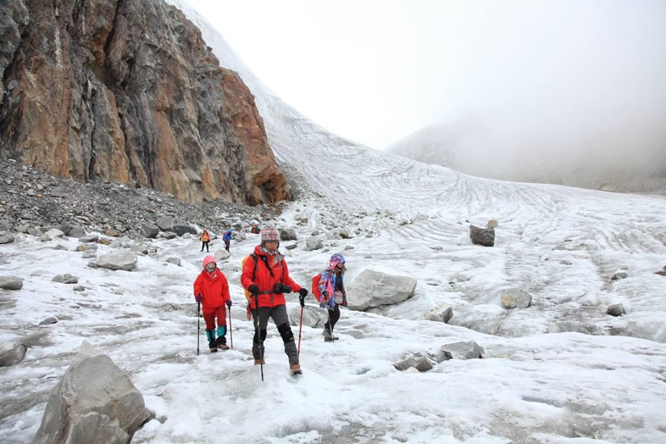【EBC島峰Gokyo湖】這是一條無法回頭的路,進擊的雙腿決戰EBC環線大魔王,然後我們被勒索了。Gokyo-Thangnag-Chola Pass-Dzonglha。第4章。