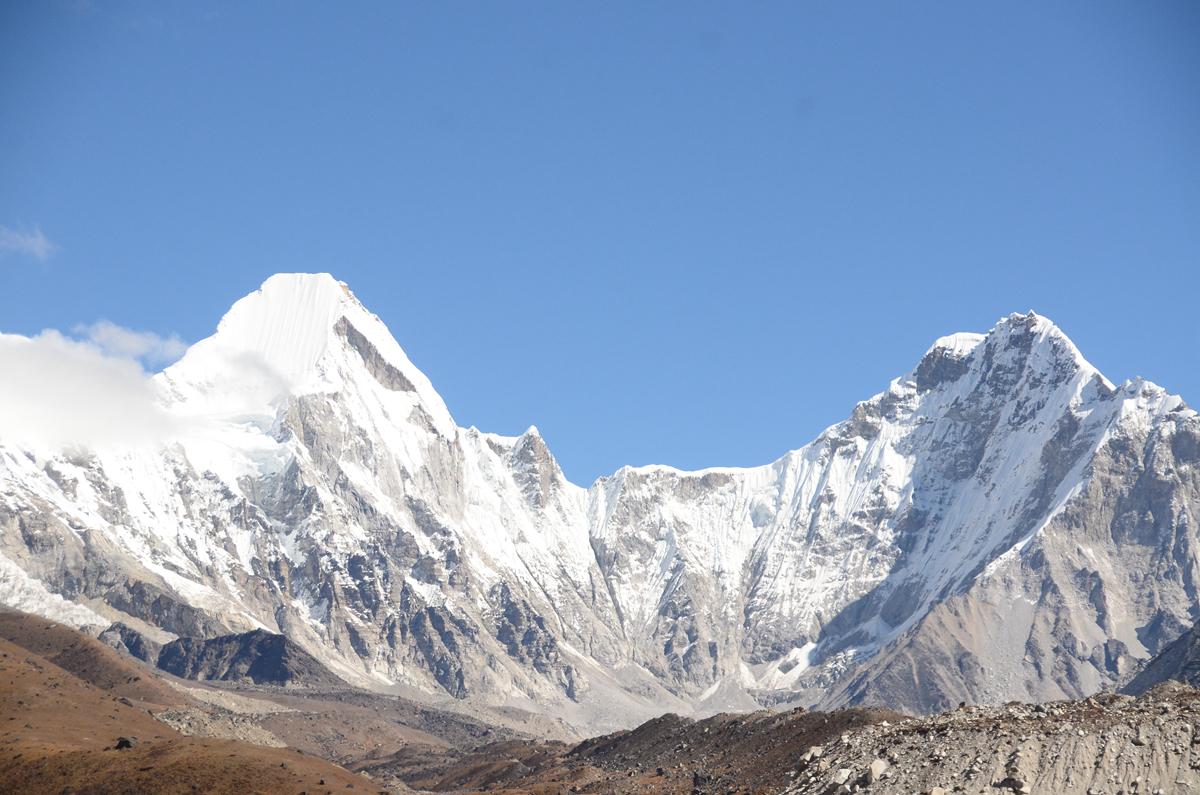 【EBC島峰Gokyo湖】離家出走到最接近神的地方,聖母峰基地營。Dzonglha-Gorak Shep-EBC-Dingboche。第5章。