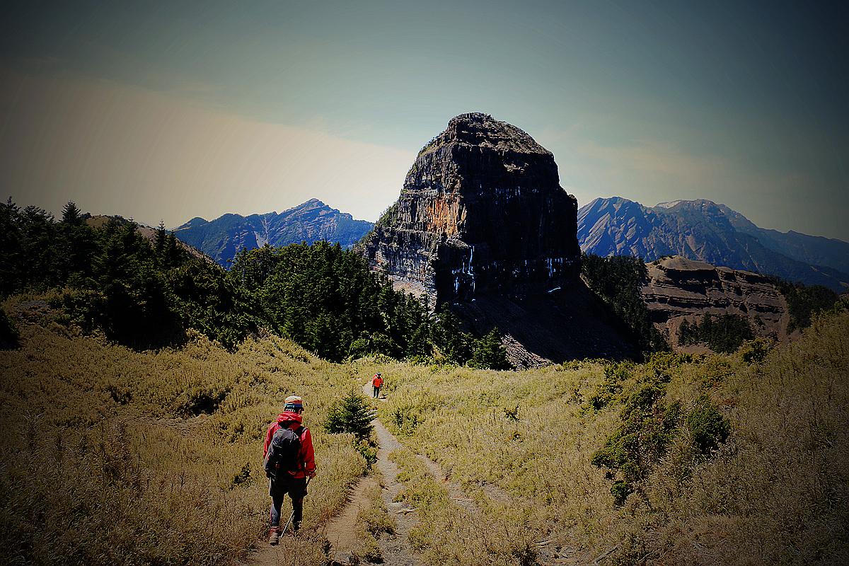 [大霸尖山]世紀奇峰,霸氣再現 x 十七公里厭世林道。