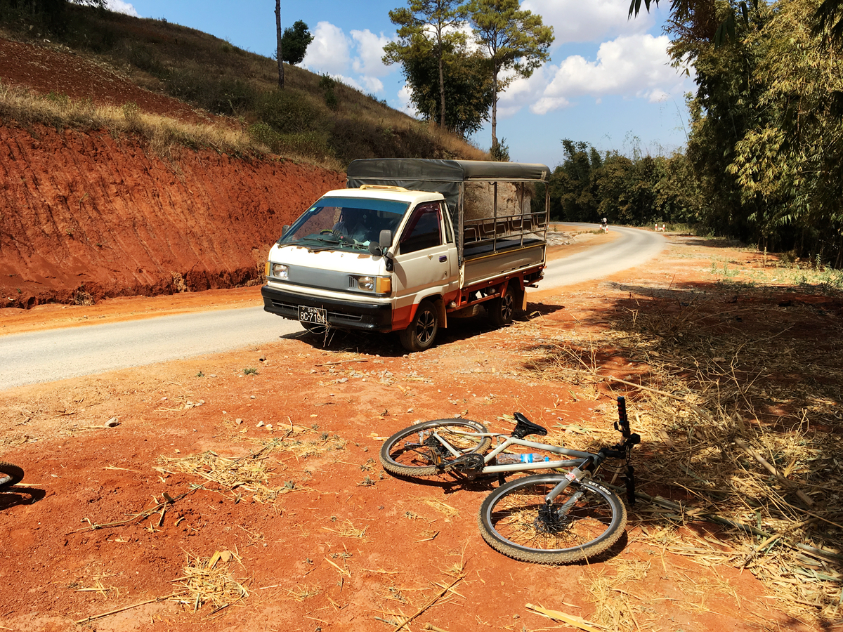 格勞Kalaw一日越野單車, 讓我們手抖抖一路到萊茵湖