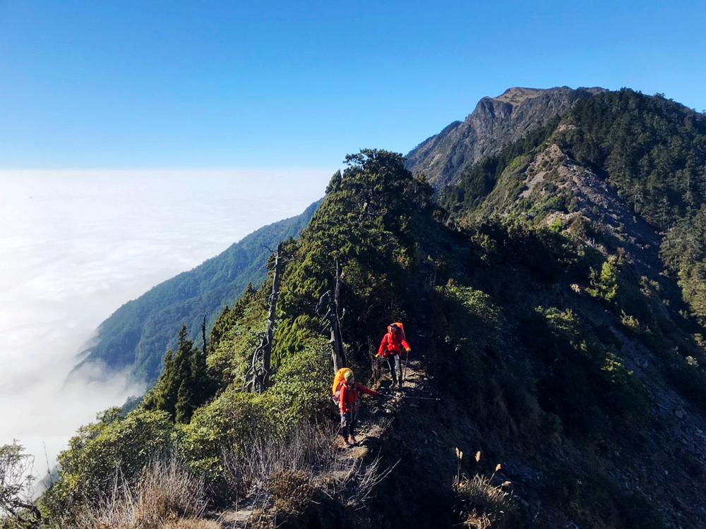 甘卓萬橫斷新路五日,十八連峰是虐心一哥!