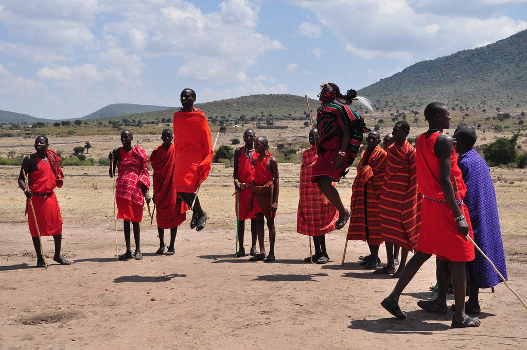 [肯亞]那年夏天,我們在馬賽村被馬賽人@#$^%了。 @飯糰五號的旅遊狂想+